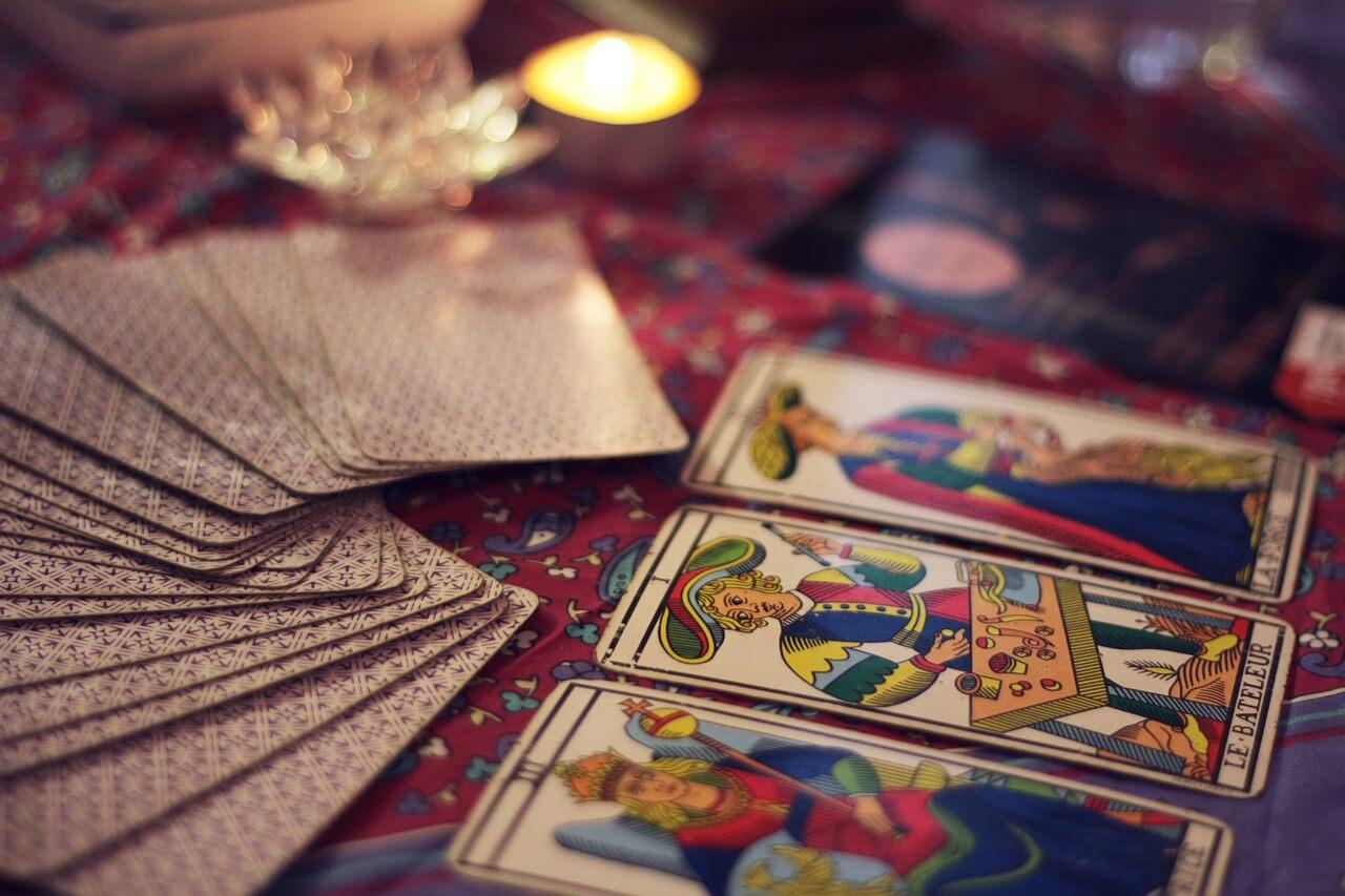 🎭 Lecture et signification des cartes du Tarot Persan - Tarot Persan 4d7b1e64aceb